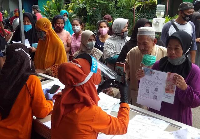 Hindari Kerumunan Saat PPKM, Pos Indonesia Perbanyak Titik Pembagian BST