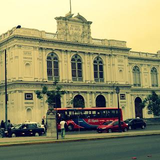 A Bela Fachada do MALI (Museo de Arte de Lima)