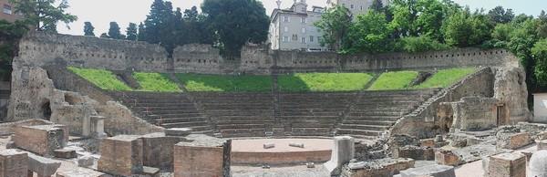 trieste théâtre romain vestiges antiques