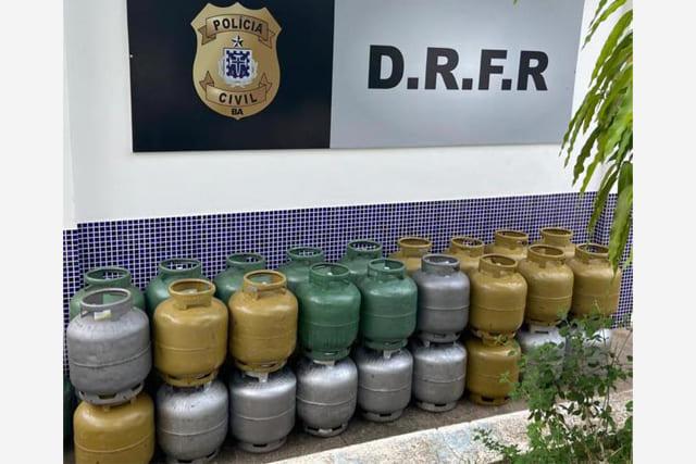 Polícia prende dois homens e recupera carga de gás em Jequié