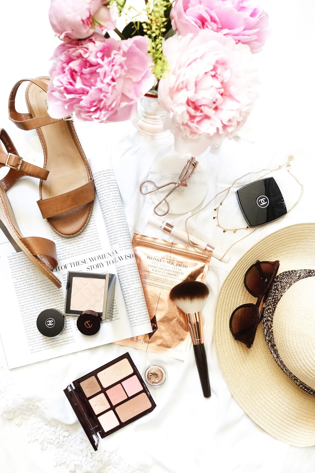 beauty-lifestyle-summer-2017-flatlay-photography-Barely-There-Beauty-blog