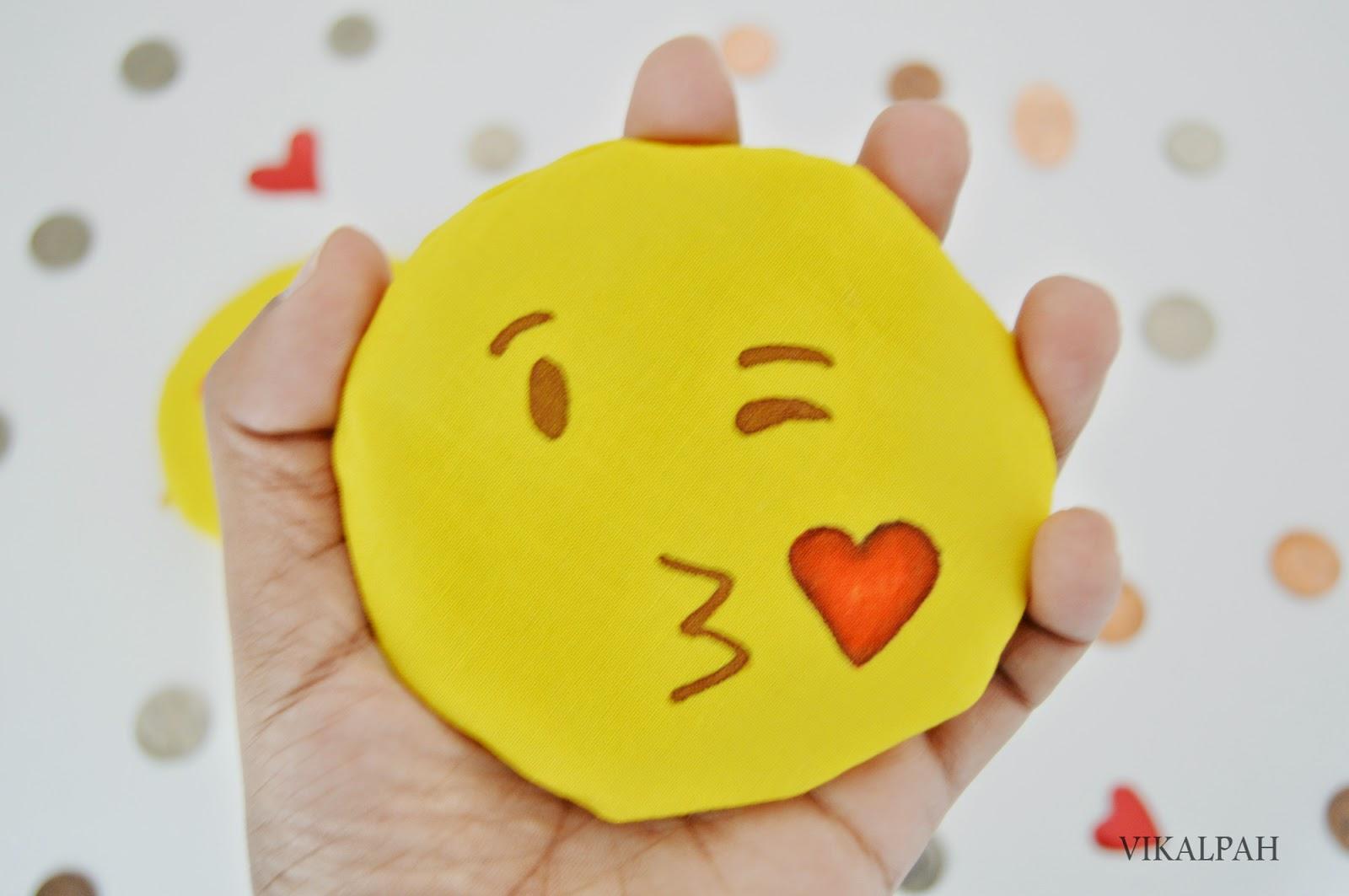 Vikalpah: How to make Emoji Coin purses - Valentine's day