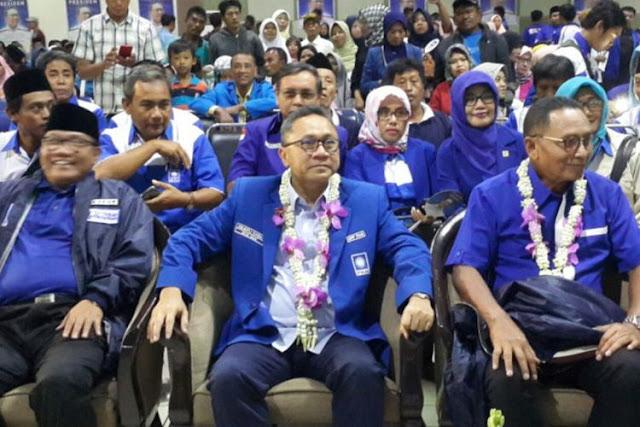 Ketum PAN Minta Kadernya Rajin Shalat ke Masjid agar Suara Pemilih Tak Diambil PKS