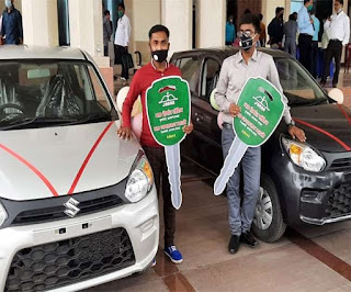 jharkhand-education-minister-gives-car-to-topper