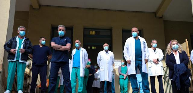 Έκρηξη οργής από τους νοσοκομειακούς γιατρούς / Η κυβέρνηση είναι ένοχη για το συνεχιζόμενο έγκλημα