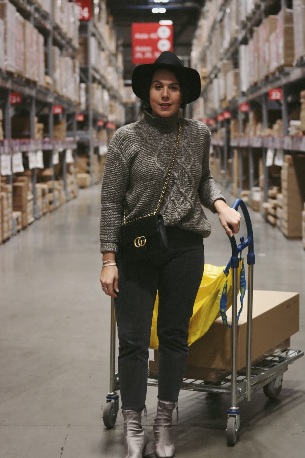 vancouver fashion blogger backdrop oversized cable sweater outfit ikea