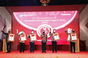 Mendagri Muhammad Tito Karnavian Berikan Penghargaan Innovative Government Award (IGA) Tahun 2020 bagi daerah Terinovatif