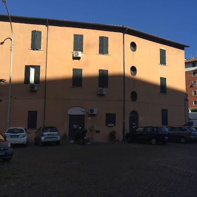 Edifici in Via del Crocifisso