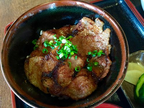 豚みそ丼のミニサイズ