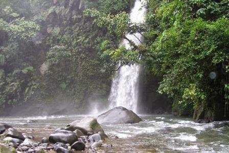 Tempat Wisata Alam Air Terjun Lematang Indah
