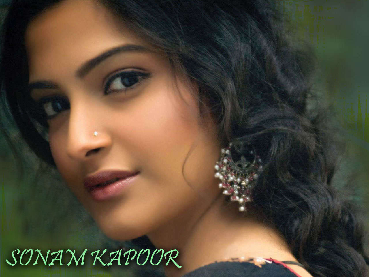 Hd Wallpapers For Desktop Sonam Kapoor Wallpapers