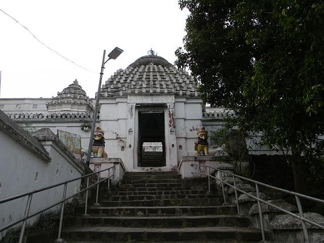 Sinha Dwara (The Lion Gate), Lord Nilamadhaba Temple, Kantilo