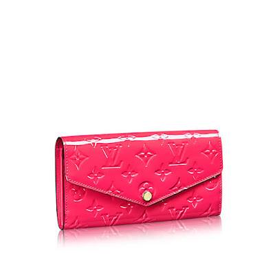 https://1.bp.blogspot.com/-owaXlB1Fz4g/V8jjzrtQO4I/AAAAAAAAAE8/uAdQikt2eAMwXpE7Czr7D2Dkszvy15kQwCLcB/s400/louis-vuitton-sarah-wallet-monogram-vernis-leather-small-leather-goods--M90313.jpg