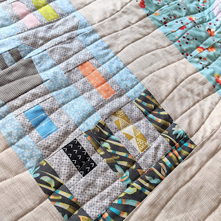 wavy line stitch quilting detail on castle quilt block