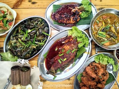 restoran sisik ikan bakar