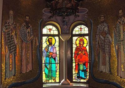Ο Απόστολος Παύλος και η Αγία Λυδία της πρώτης Ευρωπαίας  που βαπτίστηκε χριστιανή στο μουσείο των Φιλίππων στην Καβάλα.