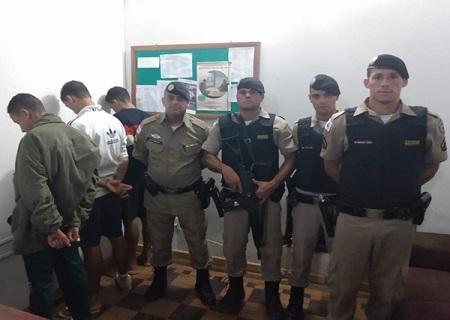 http://www.jornalocampeao.com/2019/11/homem-saca-arma-para-policial-em.html
