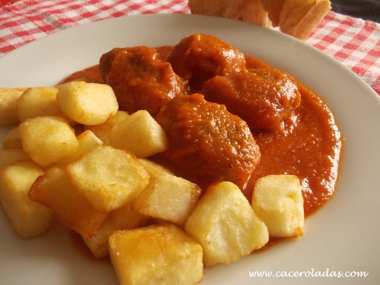 Alb ndigas con salsa de tomate caceroladas - Albondigas de patata ...