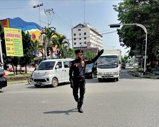 Cegah Kemacetan Jalur Padat, Senkom Kota Pekanbaru Kawal Jenazah ke TPU