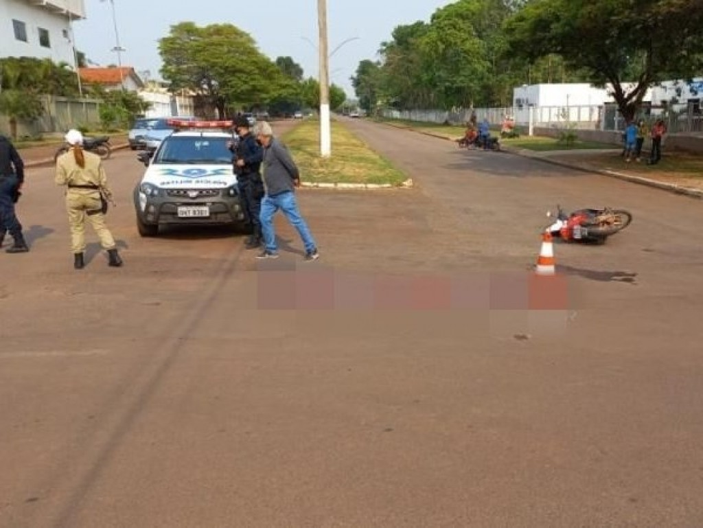 Colisão entre carro e moto resultou em vítimas nesta manhã de quarta-feira em Rolim de Moura