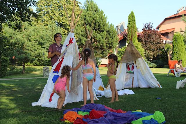 """""""namiot imprezowy"""", """"namiot magazynowy"""", """"namioty przemysłowe, """"namioty okolicznościowe"""", """"pawilony namiotowe, gdzie urzadzic urodziny dla dziecka, urodziny dla babci, urodziny na swiezym powietrzu, przyjecie na swiezym powietrzu, urodziny dla duzych dzieci, roczek dla dziecka, co zrobic podczas urodzin, zaproszenia na urodziny, jak zrobic, dziecko, dziewczyna, dziewczynka, synek, dla corki, dla synka, gdzie zorganiozwac urodziny dla dziecka,"""