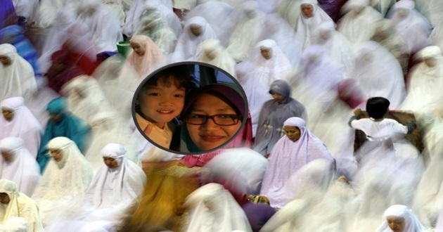 Anak 'Hilang' Ketika Tarawih. Wanita Ini TERKEJUT Bila Anaknya Bersama Wanita Berpakaian Serba Hitam !!!