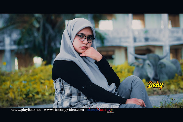Deby New Moment Hanting by Playfoto
