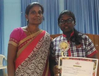 Vismaya VS wins Mathrubhumi Seed Best Student Award under Vegetable Development Programme