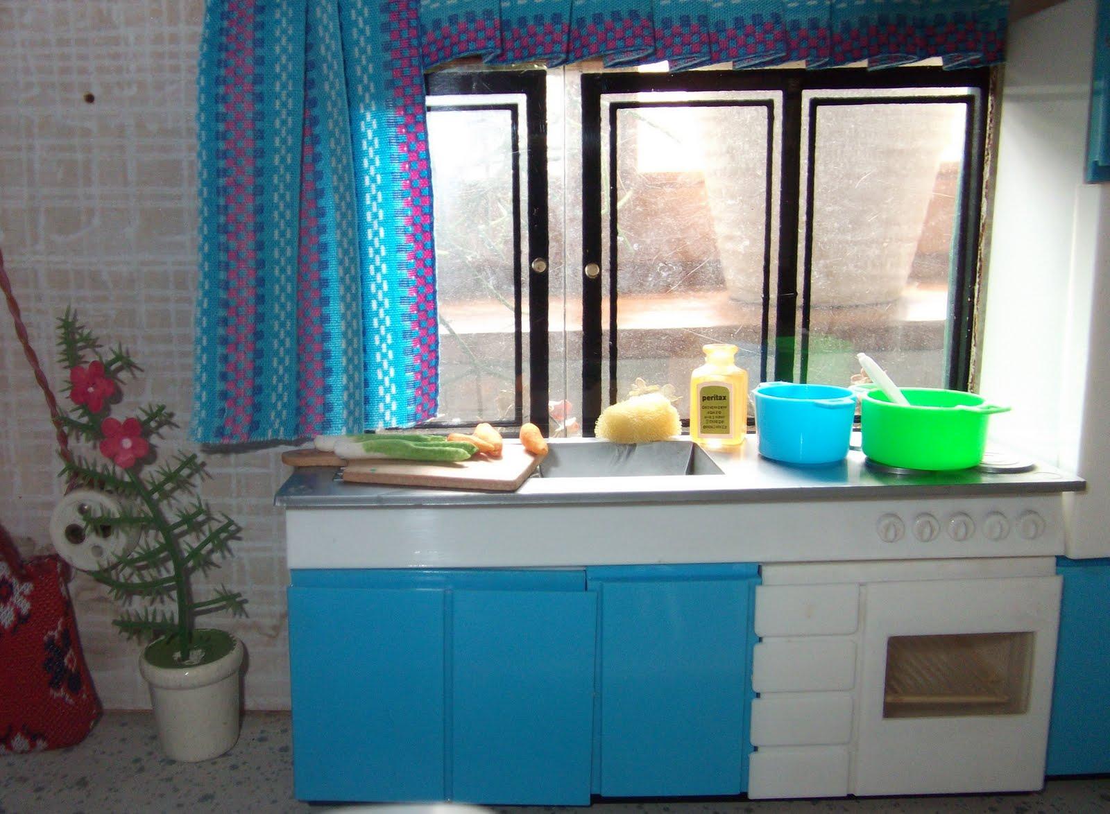 lillis puppenstube august 2011. Black Bedroom Furniture Sets. Home Design Ideas
