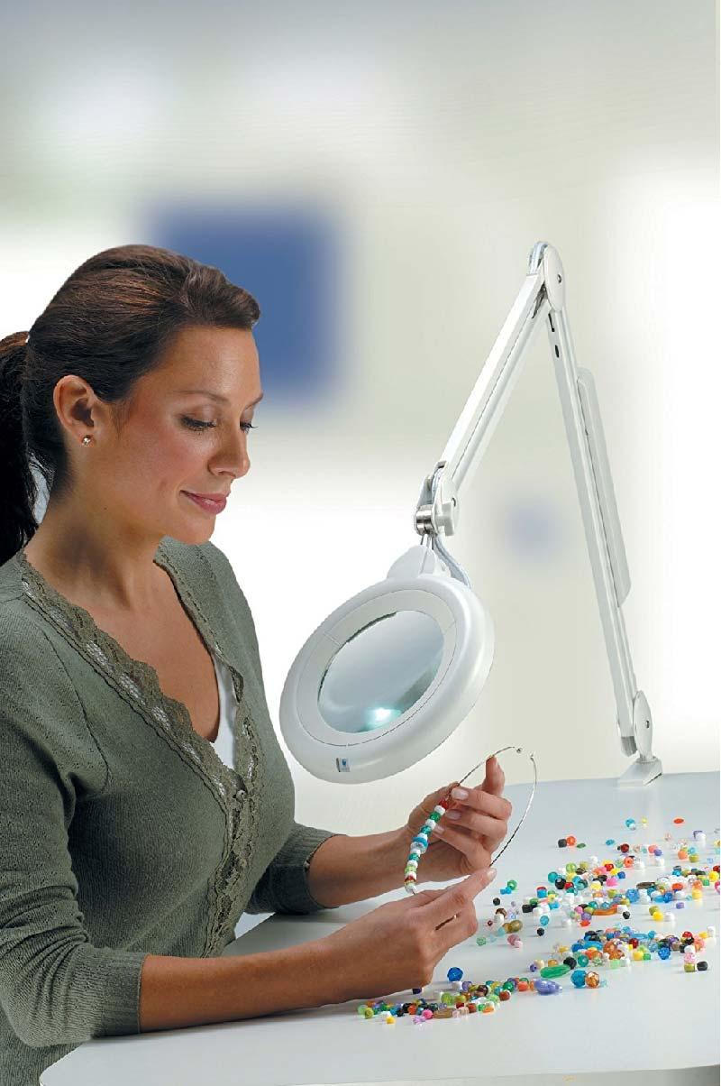 caratteristiche di una buona lampada con lente di ingrandimento