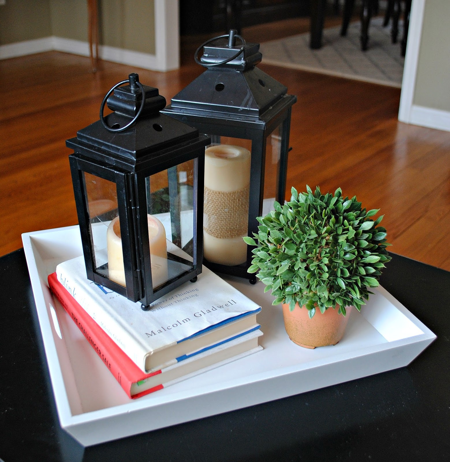 Two It Yourself: Spring Coffee Table Vignette