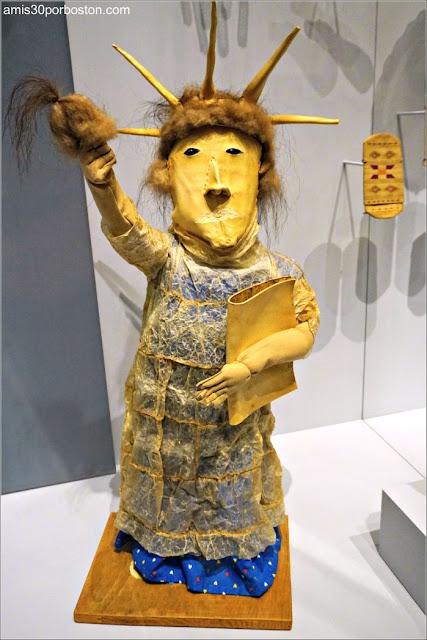 My Love, Miss Liberty de Rosalie Paniyak en el Museo de los Indios Americanos de Nueva York