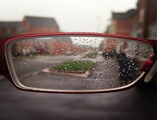 masalah orang berkacamata saat hujan datang