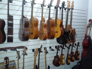 Depósito de instrumentos da Escola de Música Villa-Lobos