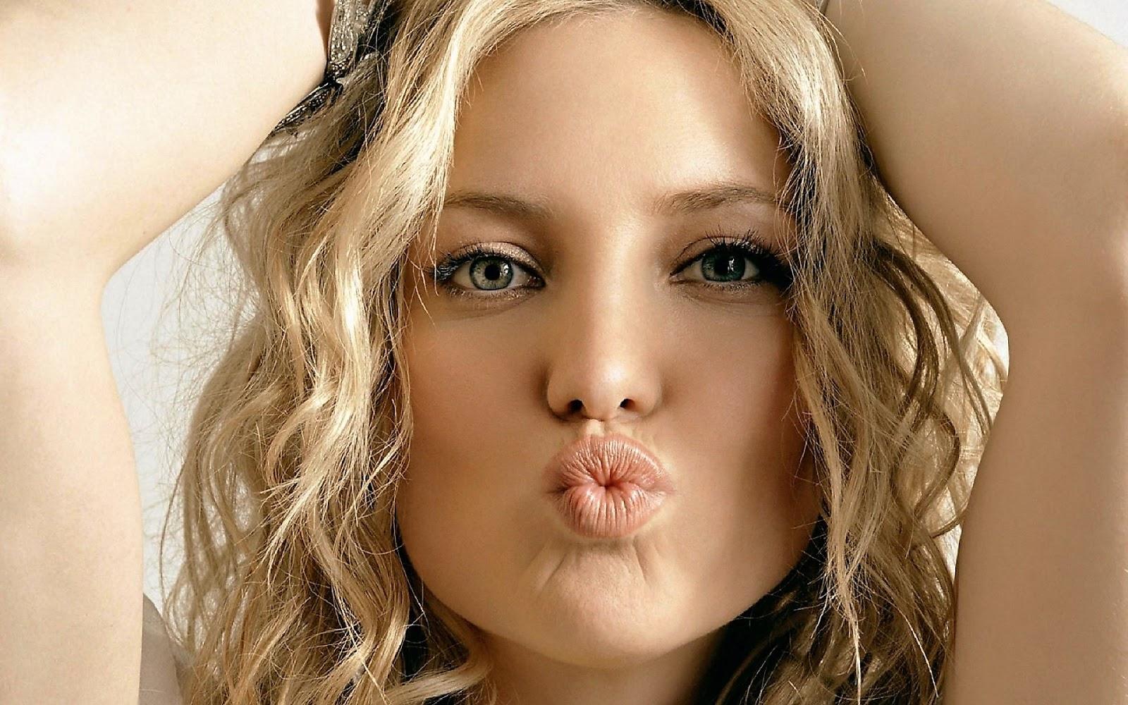 Fieggentrio: Zoenen: Buitenlands kussen. Kate Hudson Wisconsin