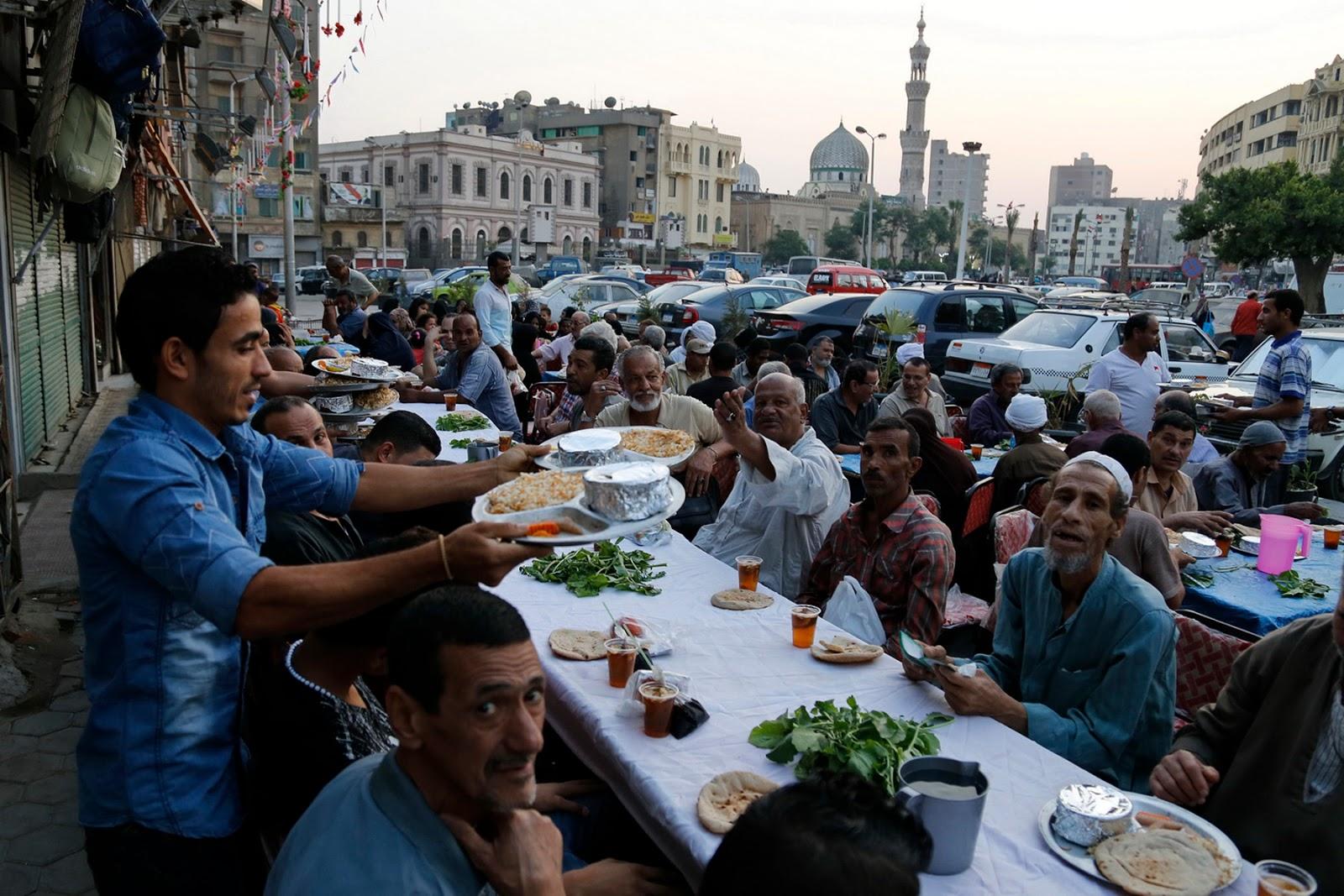Hukum Puasa Ramadhan Bagi Orang Tua Renta