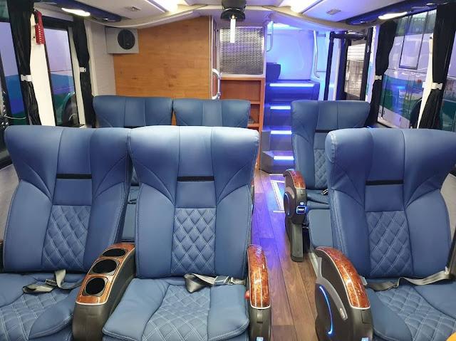 Interior Bus Tingkat Sukun