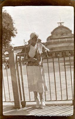 Mode femme 1900-1940 photo noir et blanc ancienne