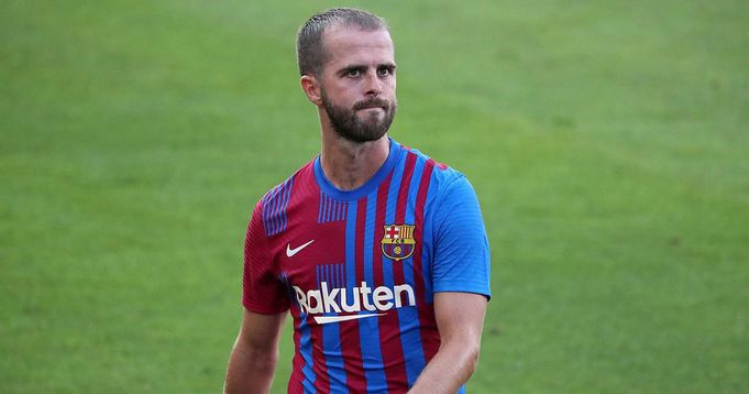 Pjanic's move to Juventus breaks down as Sevilla show interest