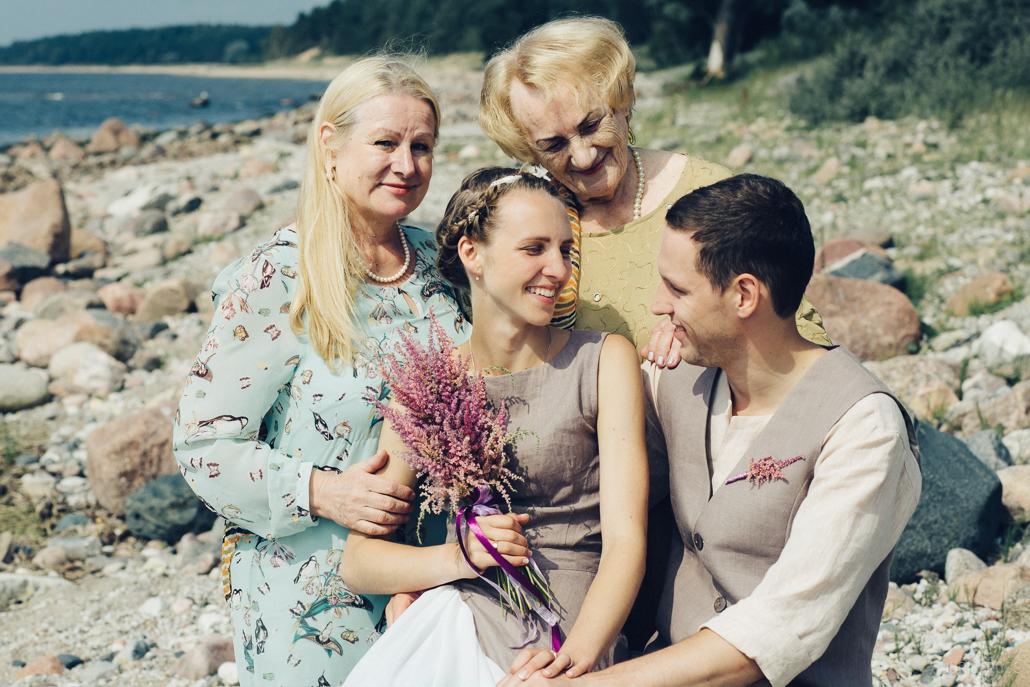 Nelielas kāzas ģimenes lokā