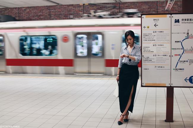 ファッションブロガー日本人、今日のコーデ、SheIn-ストライプシャツ、Choies-ブラックラップスカート、vonBraun-パンプス、FrontRowShopトライアングルバッグ、ゼロUVサングラス、シックなスタイル