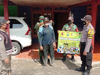Aparat Gabungan Di Ngasem Bojonegoro Laksanakan Operasi PPKM Skala Mikro Di Jalan Raya