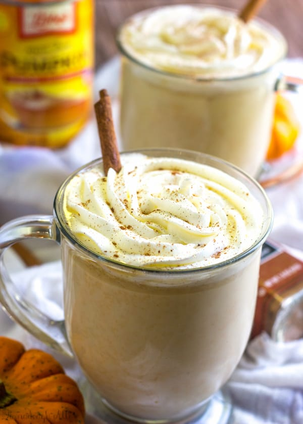 SLOW COOKER PUMPKIN WHITE HOT CHOCOLATE #pumpkin #drink #healthyrecipes #chocolate #party