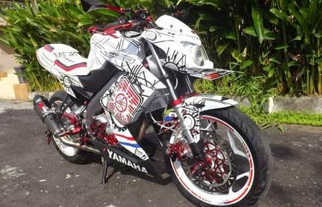 http://www.boncel.in/2015/01/modifikasi-yamaha-vixion-street-fighter.html
