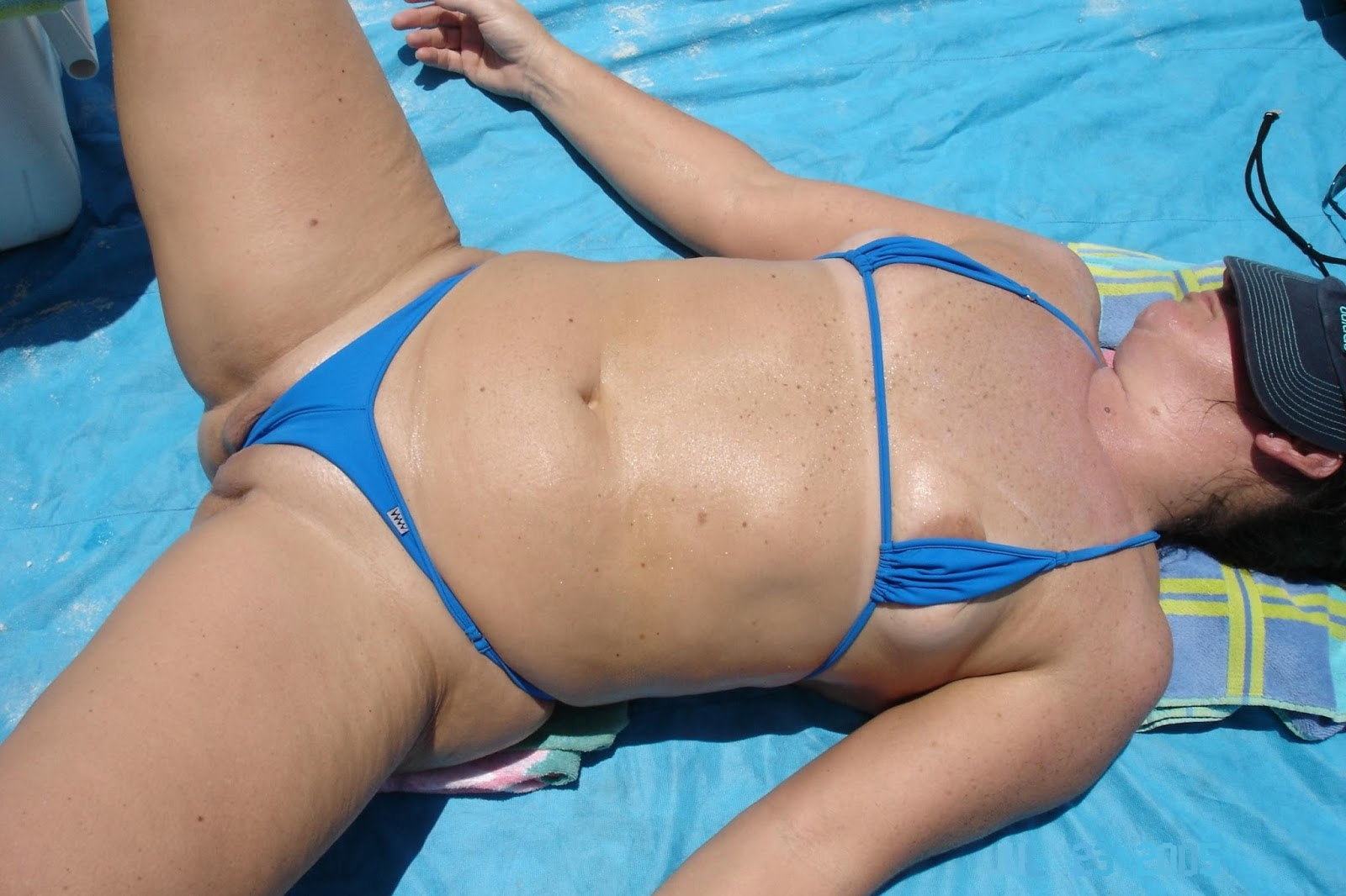 women with fat camel toe