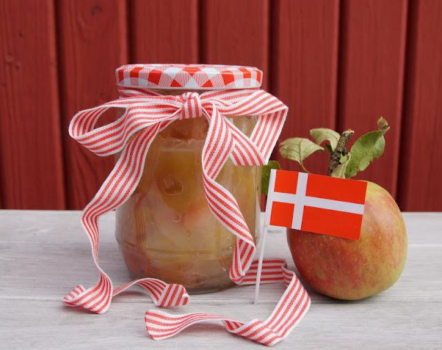 Rezept: Dänisches Apfelkompott zubereiten. Alle Zutaten und die Zubereitung nach dänischer Art.