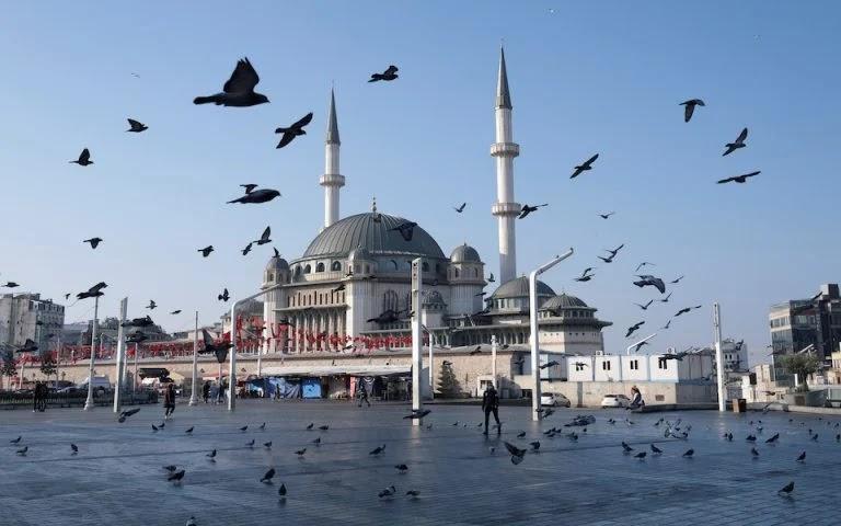 Ξημερώνει «Μαύρη Δευτέρα» για την Τουρκία