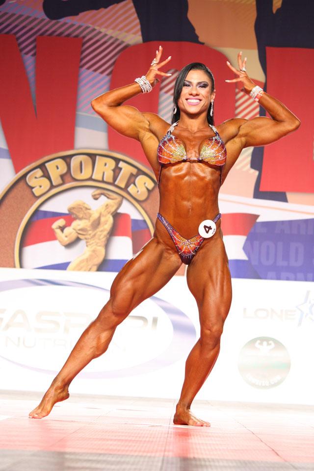 Fernanda Gutilla, a Campeã Overall Women's Physique do Arnold Amateur 2016. Foto: Divulgação