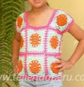 http://www.tejiendoperu.com/crochet/blusa-con-grannys-cuadrados/