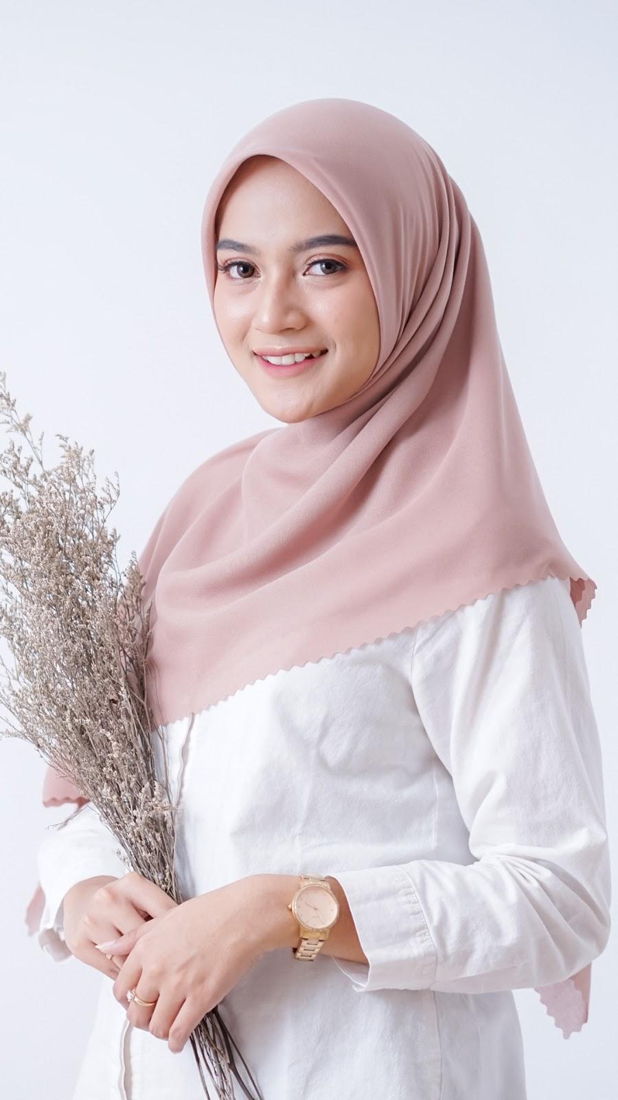 wallpaper hijab keren manis dan seksi imut mata indah